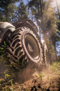 NHT Valtra TractorKing MI 0439 hires 200x300 - Nokian Tractor King – nowa opona dociągników